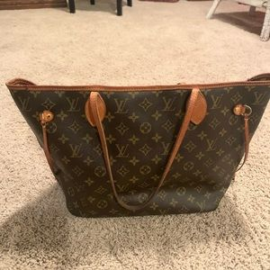 Louis Vuitton MM Neverfull